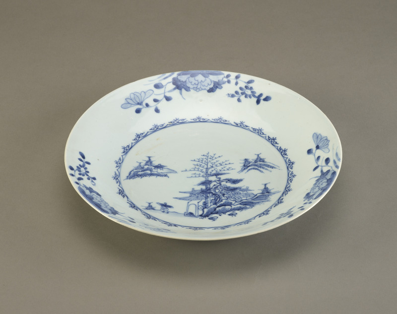 Dish, one of a pair with F1992.55.1