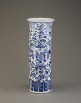 Beaker vase, one of a pair with F1992.27.2
